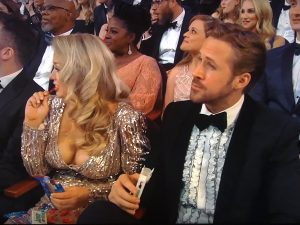 Oscars: Η εντυπωσιακή συνοδός του Ράιαν Γκόσλινγκ και η αλήθεια για τη σχέση τους [pics, vids]
