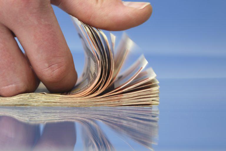 Την Τρίτη η Ελλαδα βγαίνει στις αγορές για 1 δις ευρώ | Newsit.gr