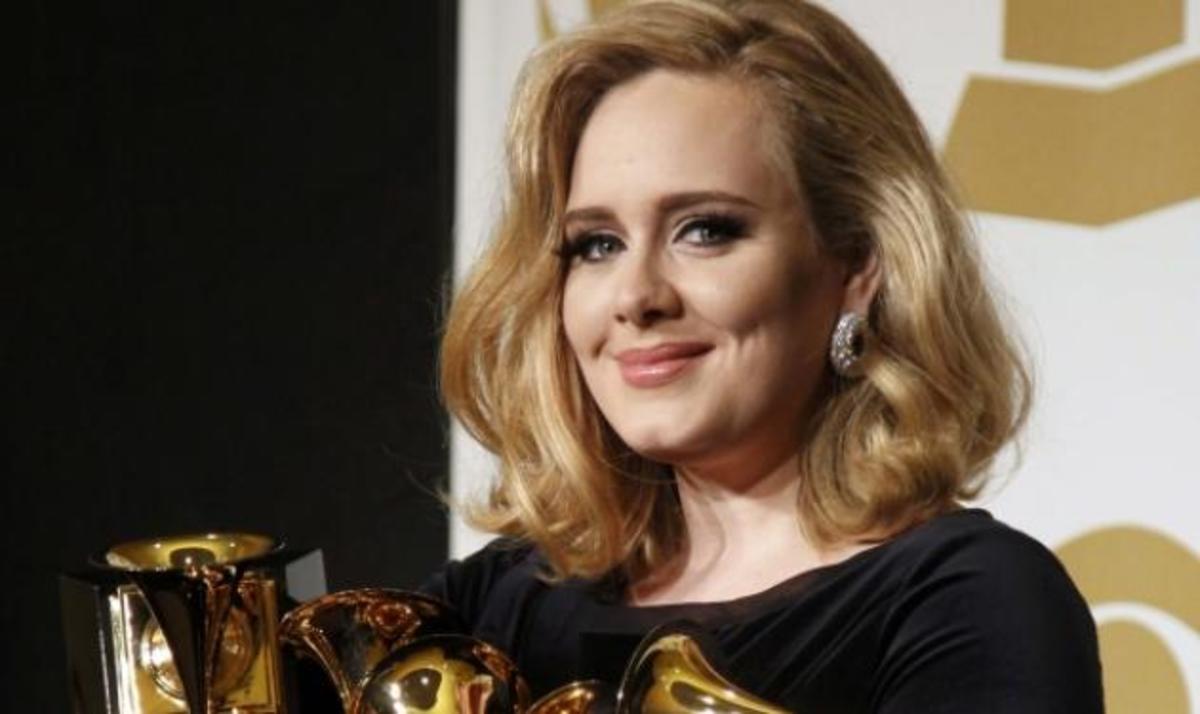 "Grammys 2012: ""Σάρωσε"" τα βραβεία η Adele – Συγκίνηση για το θάνατο της W. Houston | Newsit.gr"