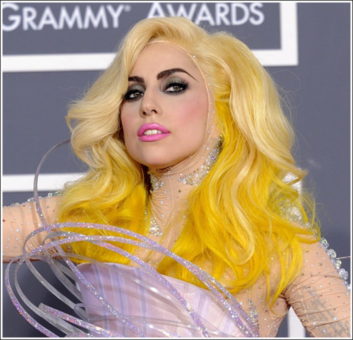 Η Lady Gaga γίνεται… 24! | Newsit.gr