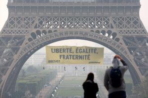 Και η Greenpeace κατά της Λε Πεν