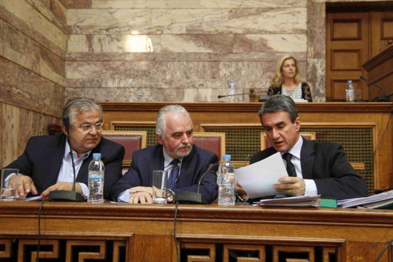 Τρικυμία εν κρανίω στην κυβέρνηση για το πάγωμα των μισθών – Πιέσεις σε ΓΣΕΕ για συμφωνία με τους εργοδότες | Newsit.gr