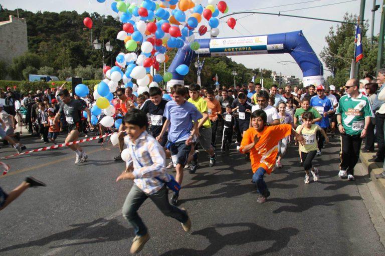 15.000 έτρεξαν στον «Γύρο της Αθήνας» | Newsit.gr
