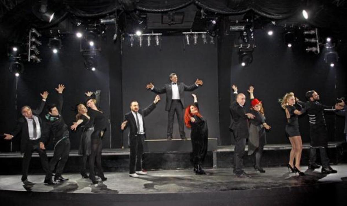 Ο Ν. Μακρόπουλος υποδέχεται στο Fix τη νέα μουσικοχορευτική παράσταση του Α. Ρήγα! | Newsit.gr