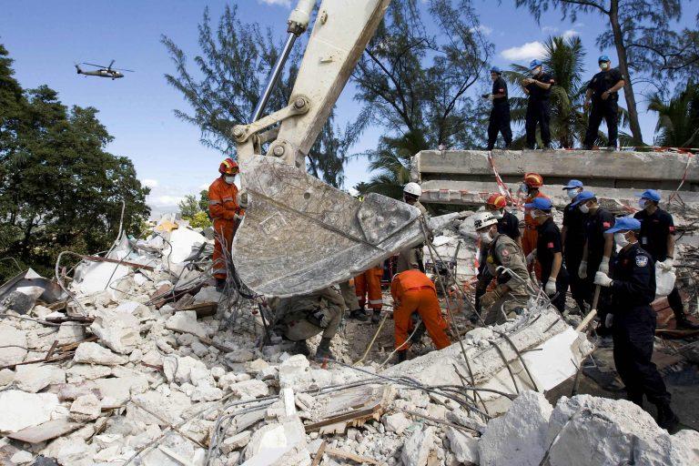 Βοήθεια για την ανοικοδόμηση της Αϊτής   Newsit.gr