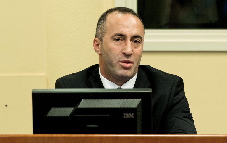 Αθώος ο Ραμούς Χαραντινάι για τη σφαγή της Γιαμπλάνιτσα   Newsit.gr