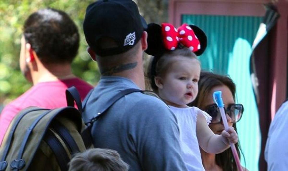 H οικογένεια  Beckham στη Disneyland! Δες φωτογραφίες | Newsit.gr