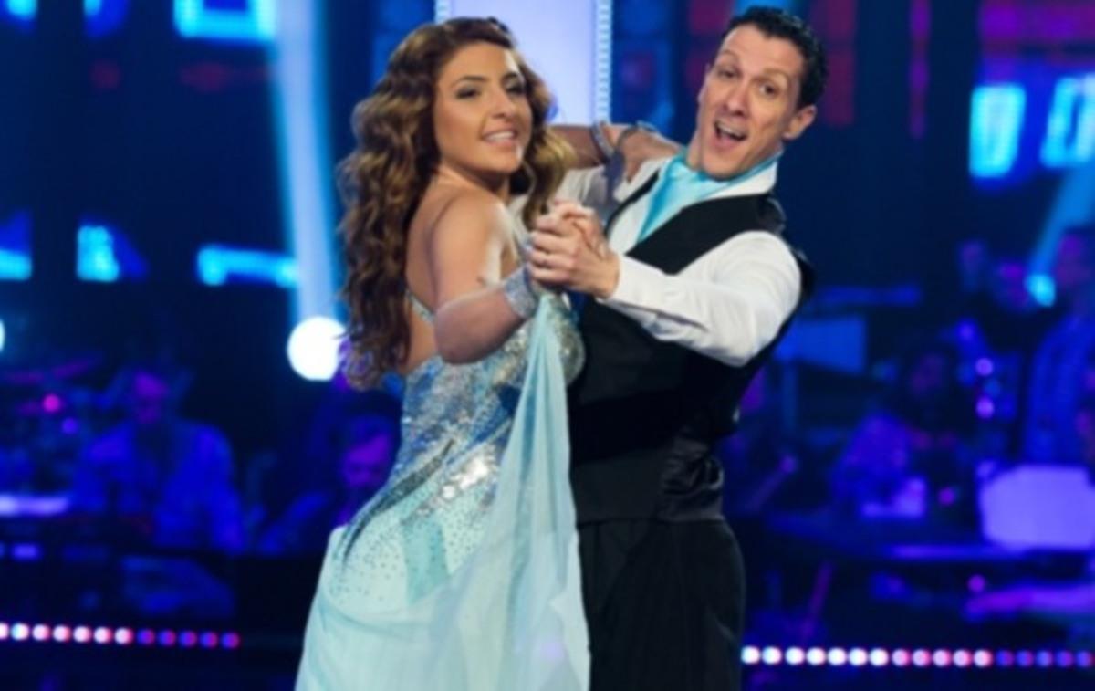 Η Έλενα Παπαρίζου αποχώρησε από το Let's Dance! | Newsit.gr