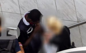 Βίντεο ντοκουμέντο: «Narcos» με ηρωίνη… στο στόμα και «μπίζνες» στο μετρό!