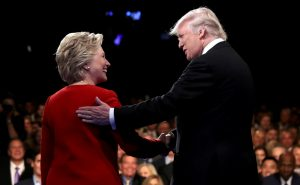 Debate μετριότητας! Προσωπικές επιθέσεις και «καρφιά» – Νίκη για Χίλαρι αλλά μόνο στα σημεία – Άθλιος ο Τραμπ