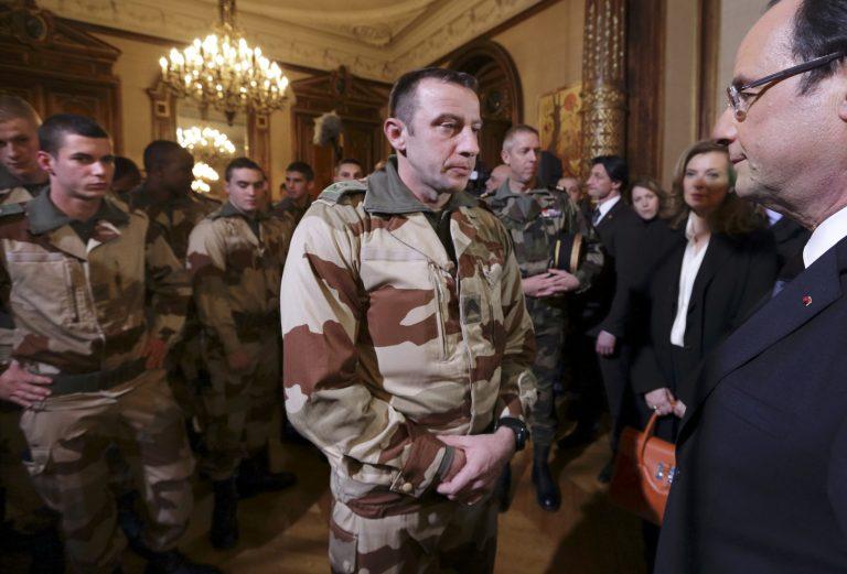 Εύσημα Ολάντ στις αλγερινές αρχές για το θρίλερ των ομήρων | Newsit.gr