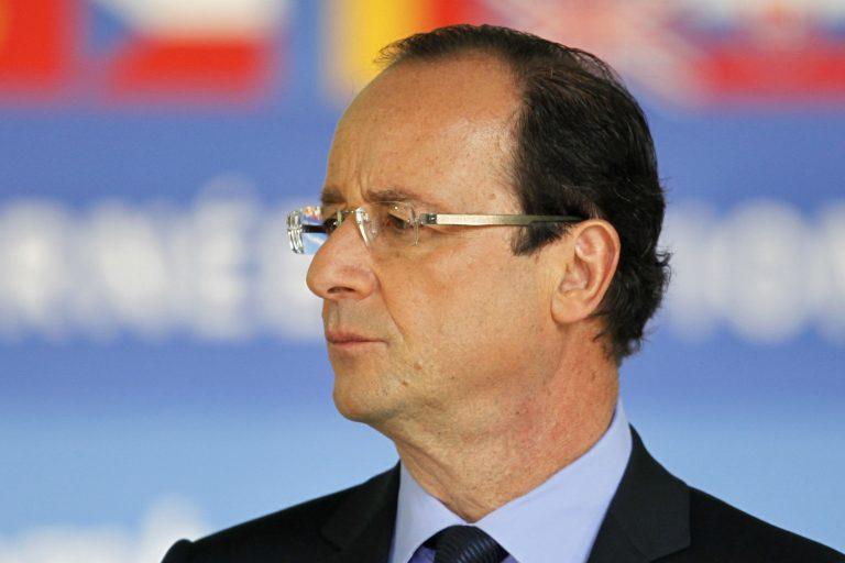 Ολάντ: Το Παρίσι θα διατηρήσει το στόχο του ελλείμματος στο 3% παρά τις προβλέψεις των Βρυξελλών | Newsit.gr