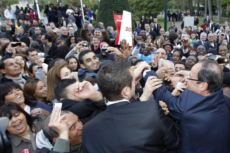Ταυτόχρονες συγκεντρώσεις για Σαρκοζί και Ολάντ   Newsit.gr
