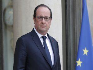 """Τρεις μήνες προθεσμία δίνει ο Ολάντ στη Βρετανία για να """"βγει"""" από την ΕΕ"""