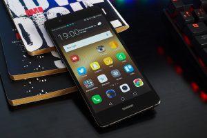 «Έξωση» σε Huawei και ZTE από τα καταστήματα των Αμερικανικών βάσεων
