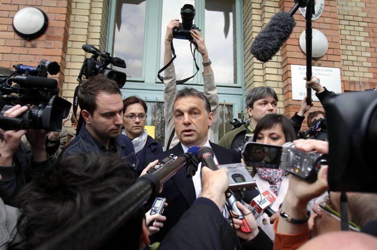 Δεξιά στροφή στην Ουγγαρία | Newsit.gr