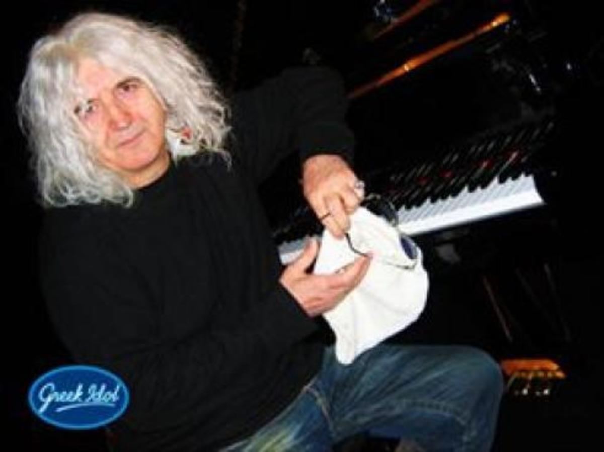 Προβλήματα στο «Greek Idol» εξαιτίας του Καρβέλα! | Newsit.gr