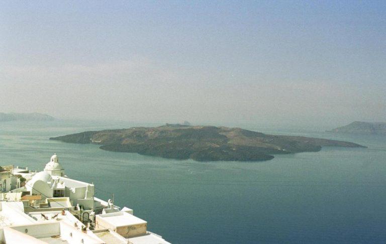 «Μυρίζει»… κίνδυνο το ηφαίστειο της Σαντορίνης – Ξεκινούν 24ωρη παρακολούθηση!   Newsit.gr