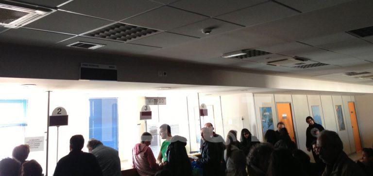 Γκάφα! Έκοψαν το ρεύμα στο ΙΚΑ Αχαρνών για οφειλή άλλης εταιρείας στο ίδιο κτίριο! | Newsit.gr