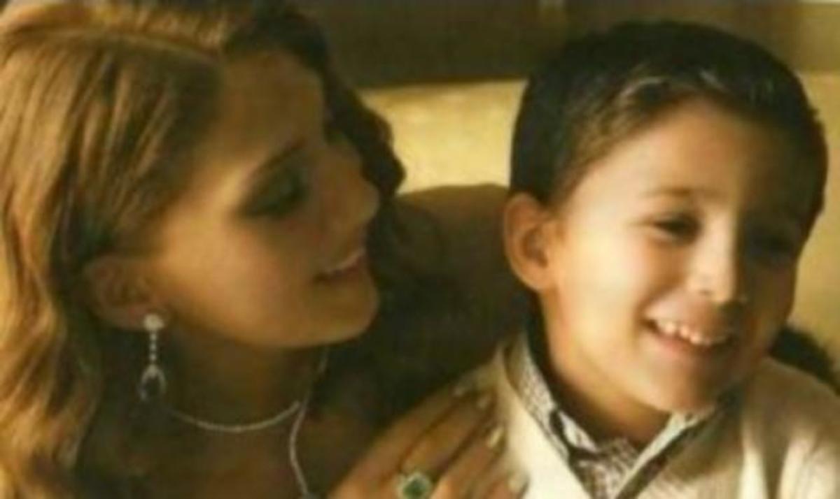 Α. Ηλιάδη: Φωτογραφίζεται αγκαλιά με τον μικρό της πρίγκιπα! | Newsit.gr