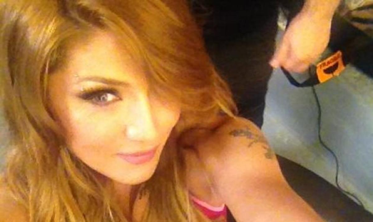 A. Ηλιάδη: Sexy backstage φωτογραφίες από photoshooting! Δες το tattoo που έκρυψε το όνομα του Κ. Μηλιωτάκη! | Newsit.gr