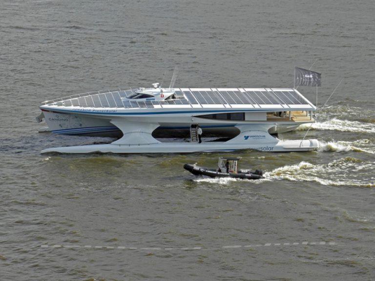 Ζάκυνθος: Το μεγαλύτερο ηλιακό σκάφος, έδεσε στο λιμάνι! | Newsit.gr