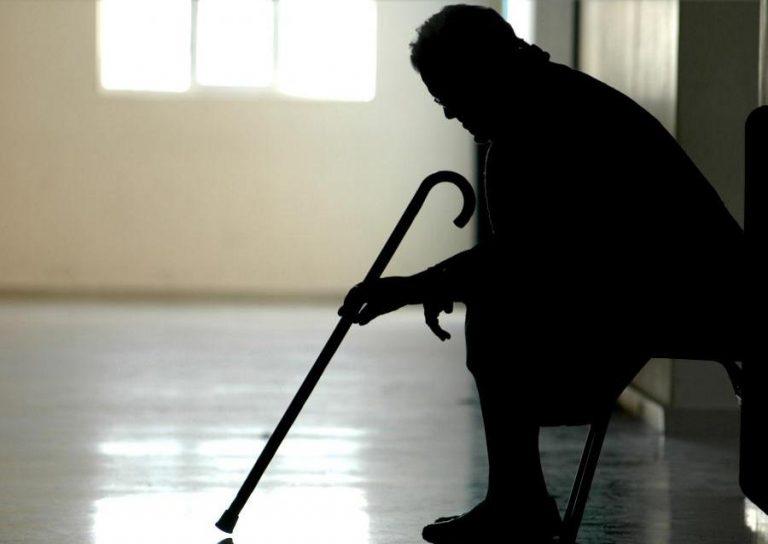 Θεσσαλονίκη: Ηλικιωμένη ζούσε για 9 μήνες χωρίς ρεύμα | Newsit.gr