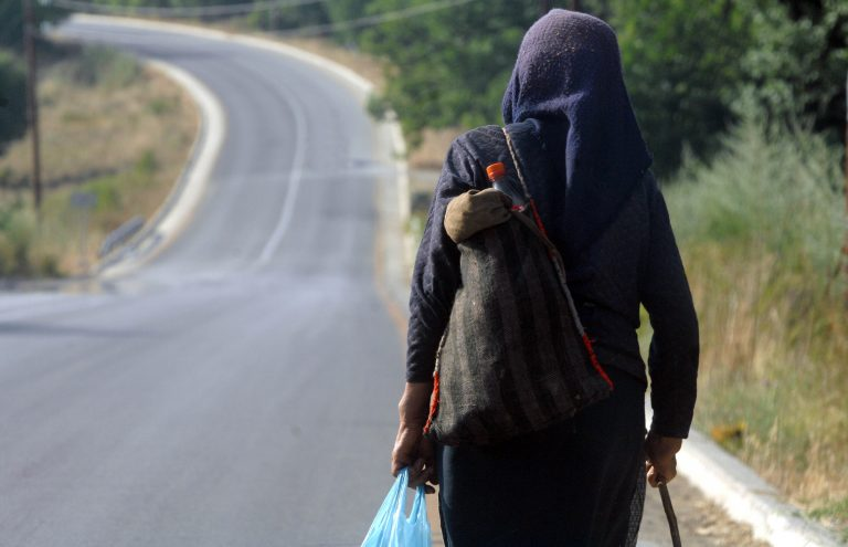 Μεσολόγγι: Την απείλησε με το μαχαίρι της | Newsit.gr
