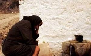 Μυτιλήνη:Έκλαιγε στη μέση του δρόμου, για τη χαμένη της σύνταξη!   Newsit.gr