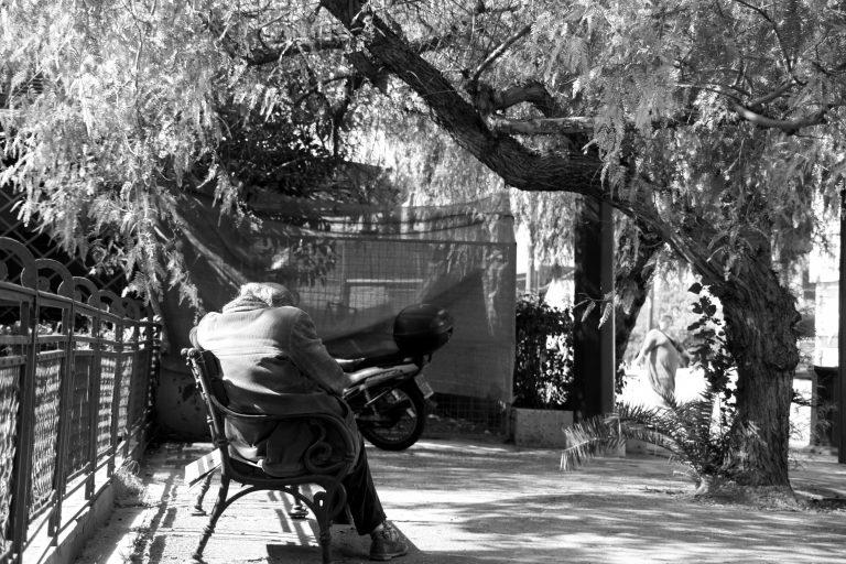 Γιαννιτσά: Κορόιδεψαν κι έκλεψαν 2.500€ από 78χρονο | Newsit.gr