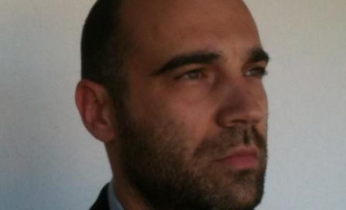 Γιαούρτωσαν βουλευτή της Χρυσής Αυγής στο Βόλο | Newsit.gr