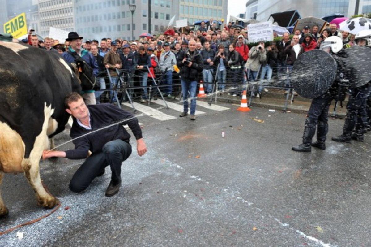 Ποιό είναι το νέο όπλο των διαδηλωτών – αγροτών απέναντι στους αστυνομικούς; | Newsit.gr