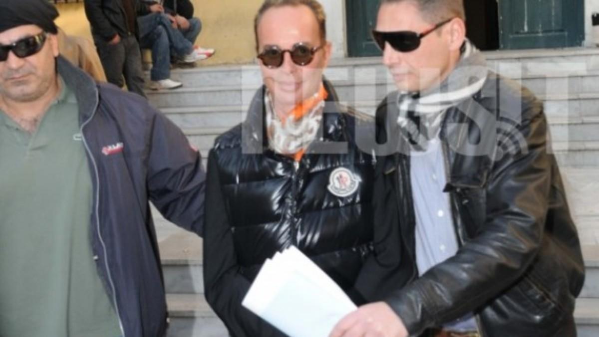 ΕΠΕΙΣΟΔΙΟ 4ο: Συνελήφθη πάλι ο Λάκης Γαβαλάς   Newsit.gr