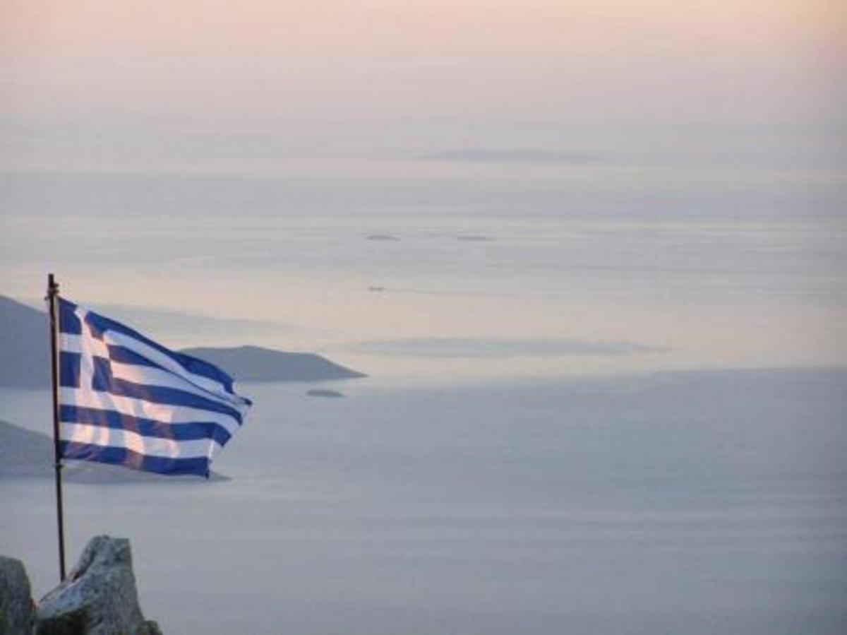 «Οι Έλληνες πουλάνε νησιά όπως τα Ιμια» | Newsit.gr