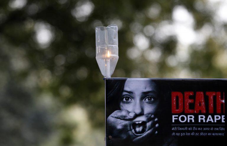 Ινδία: Κατηγορούμενοι για ανθρωποκτονία οι βιαστές της 23χρονης   Newsit.gr