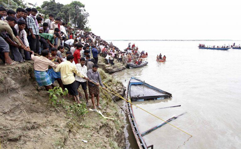 Ναυτική τραγωδία στην Ινδονησία   Newsit.gr