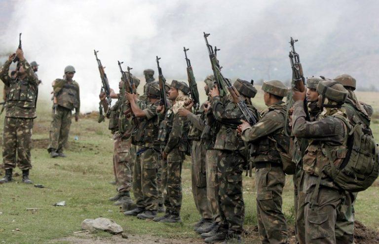 Ινδία: Νεκροί δυο στρατιώτες σε ανταλλαγή πυρών, κοντά στη Γραμμή Ελέγχου στη μεθόριο με το Πακιστάν | Newsit.gr