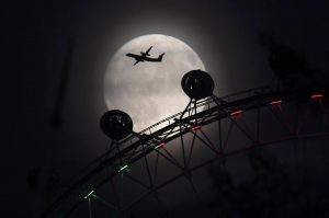 Ινδονησία: Νέο θρίλερ! Εξαφανίστηκε αεροπλάνο με 15 επιβαίνοντες!