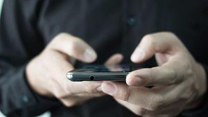 Πάνω από τους μισούς μπαίνουν στο Internet από το smartphone ή το tablet τους!