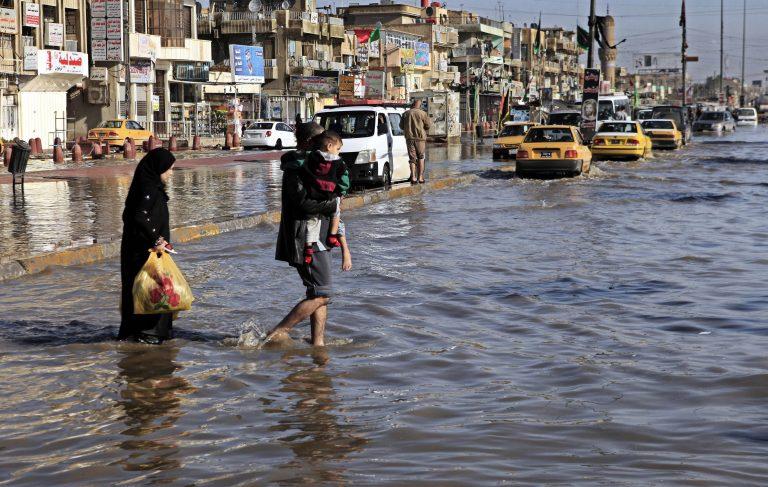 Οι χειρότερες βροχές στο Ιράκ τα τελευταία 30 χρόνια   Newsit.gr