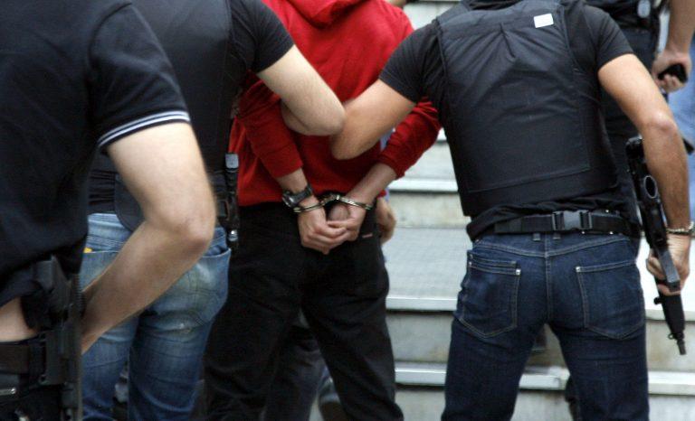 Ηράκλειο: Συνελήφθησαν 5 Αλβανοί για δεκάδες διαρρήξεις! | Newsit.gr