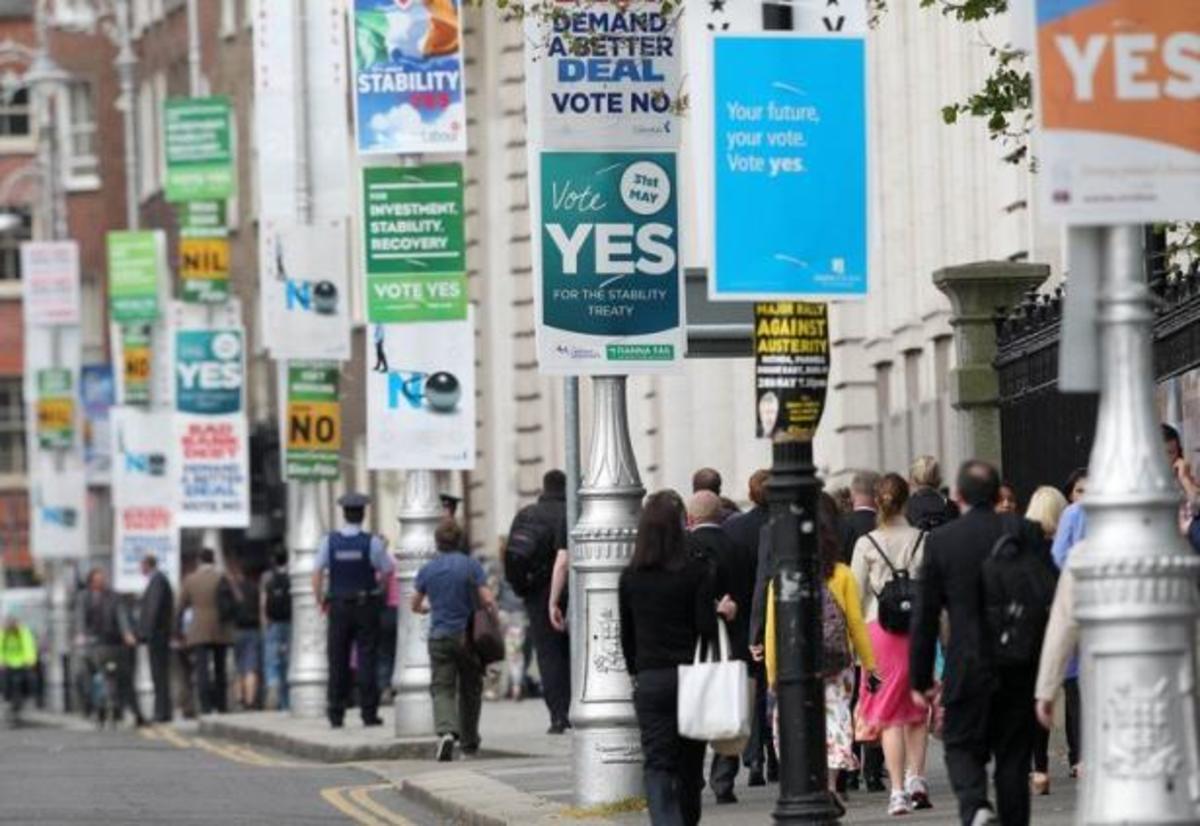 Στις κάλπες οι Ιρλανδοί μεταξύ φόβου και οργής | Newsit.gr