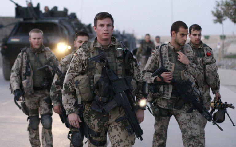 Σκοτώθηκαν 10 άντρες της ISAF στο Αφγανιστάν   Newsit.gr