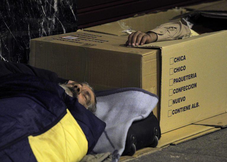Η Ισπανία βάζει τέλος στις εξώσεις μετά τις αυτοκτονίες   Newsit.gr