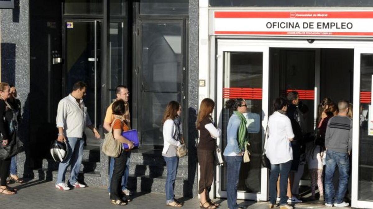 Ισπανία: Παράταση του επιδόματος στους μακροχρόνια ανέργους   Newsit.gr