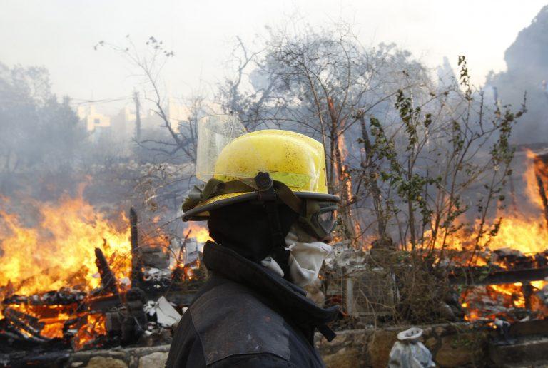 Σύλληψη δύο υπόπτων για τη μεγάλη φωτιά στη Χάιφα   Newsit.gr