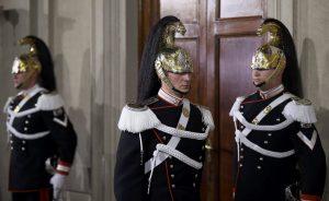 Ιταλία: Οι τρεις πιθανότερες εξελίξεις μετά την παραίτηση Ρέντσι