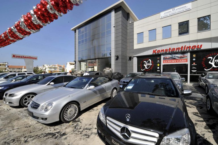 ΘΕΜΑ NEWSIT: Κατρακυλούν οι τιμές των μεταχειρισμένων στις μάντρες | Newsit.gr