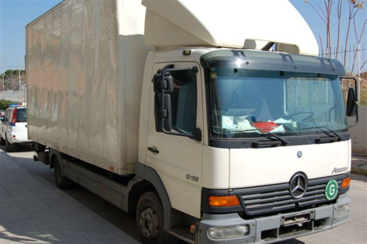29 μετανάστες στοιβαγμένοι σε φορτηγό – Έπιασαν τους δουλέμπορους | Newsit.gr