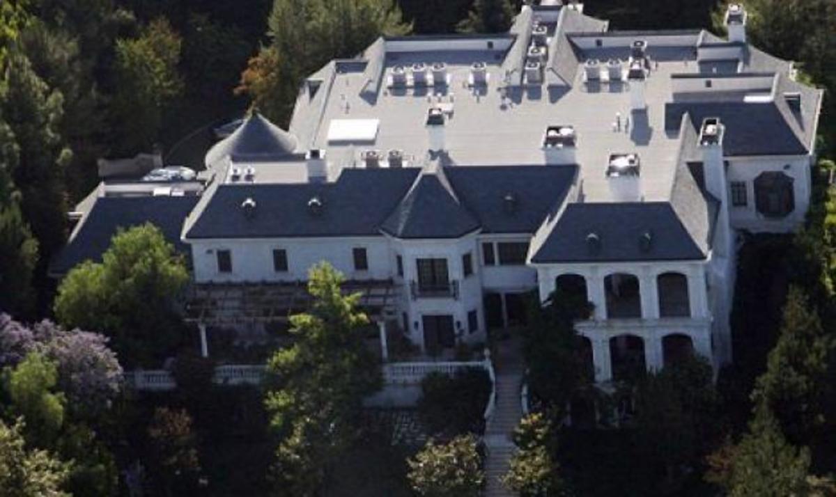 Πωλείται το σπίτι που πέθανε ο Michael Jackson! | Newsit.gr